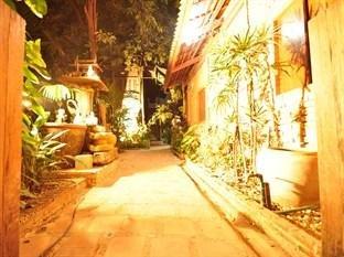 cazare la Ayutthaya Bouchic Hostel