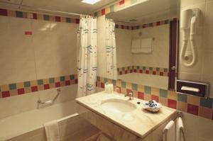 cazare la Pestana Bay All Inclusive & Ocean Aparthotel -  Funchal/madeira