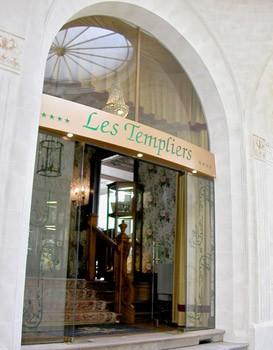 cazare la Grand Hotel Des Templiers