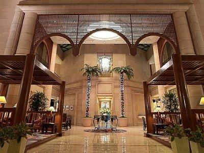 cazare la Ambassador Row Hotel Suites
