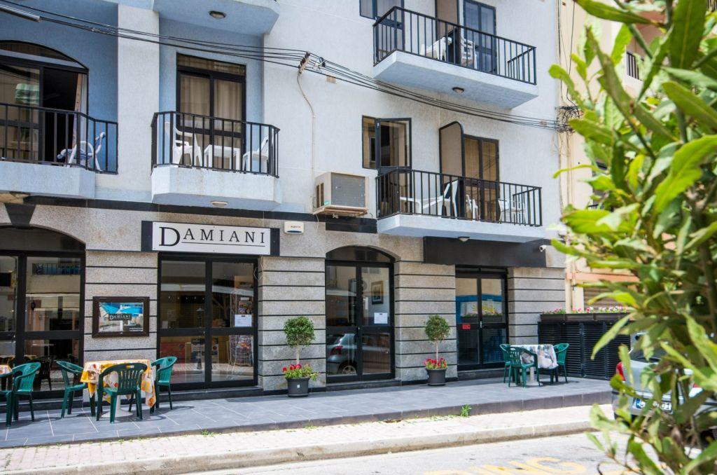 cazare la Aparthotel Damiani