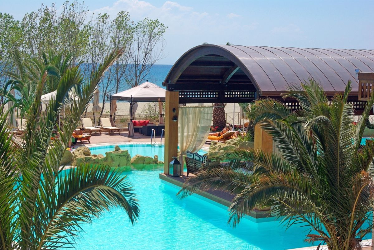 cazare la Mediterranean Village Hotel & Spa