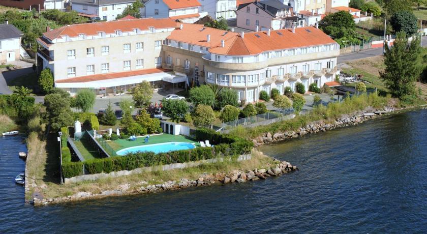 cazare la Hotel Park (38 Km From Santiago De Compostela)