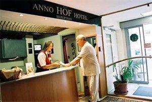cazare la Hotel Carina