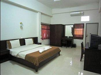 cazare la Baan Kyothong Serviced Apartment
