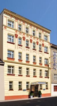cazare la Hotel Franzenshof