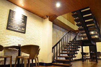 cazare la Emersia Hotel & Resort