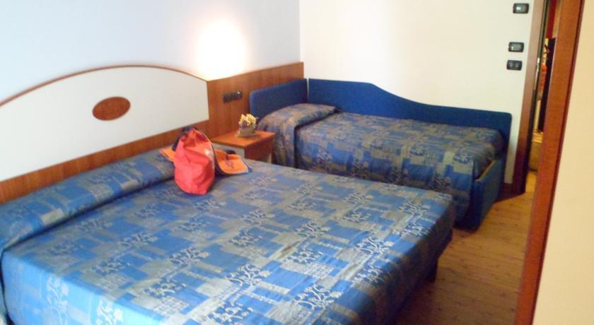 cazare la Hotel New Bristol And Domus Mea