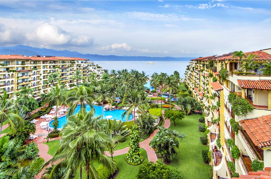 cazare la Velas Vallarta Suite Resort