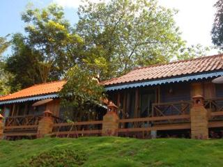 cazare la Ban View Nam Camping  Resort