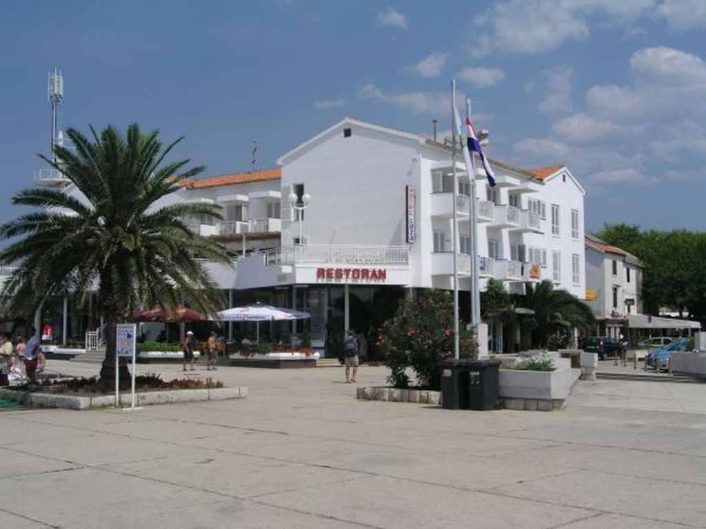 cazare la Hotel Loza Novalja