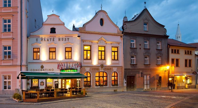 cazare la Hotel Concertino Zlata Husa