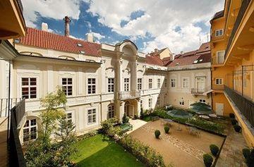 cazare la Pachtuv Palace