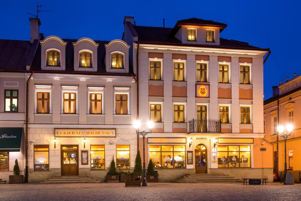 cazare la Hotel Ambasadorski