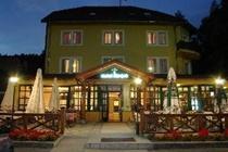 cazare la Hotel Risnjak