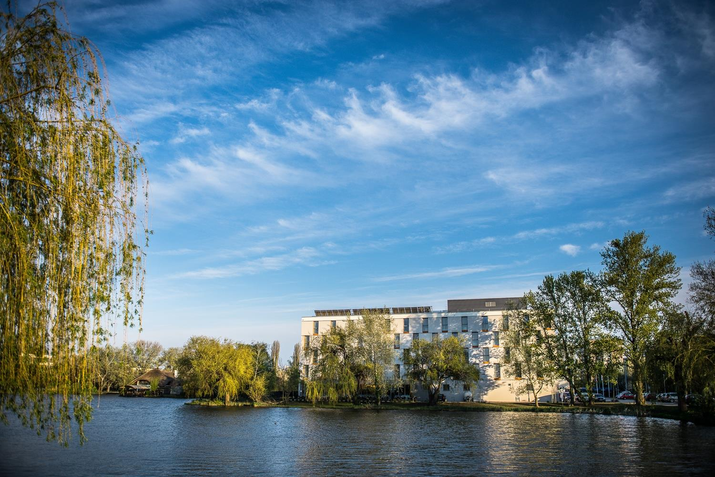 cazare la Best Western Plus Lakeside Hotel