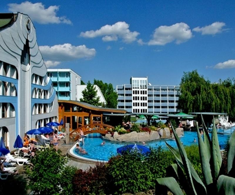 cazare la Naturmed Hotel Carbona
