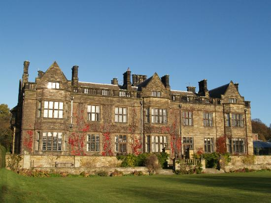 cazare la Gisborough Hall