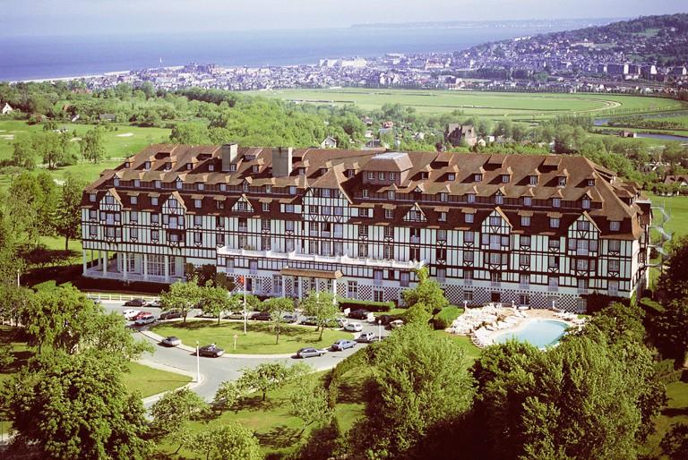 cazare la Hotel Barriere L Hotel Du Golf