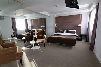 cazare la M Hotel & Spa