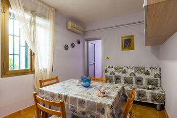 cazare la Apartment - Salita Pontecorvo Bh 73