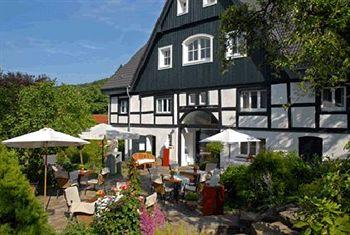 cazare la Romantik Hotel Neuhaus