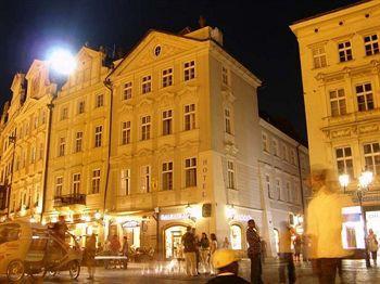 cazare la Old Town Square Hotel
