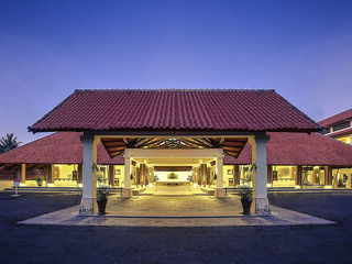 cazare la Mercure Manado Tateli Beach Resort