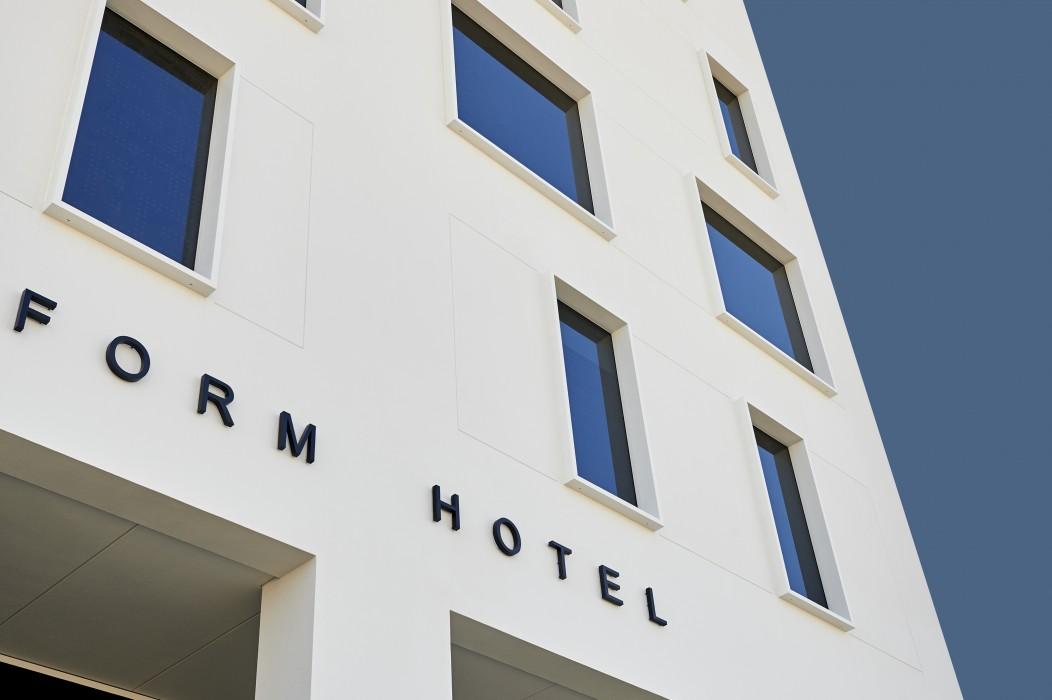 cazare la Form Hotel
