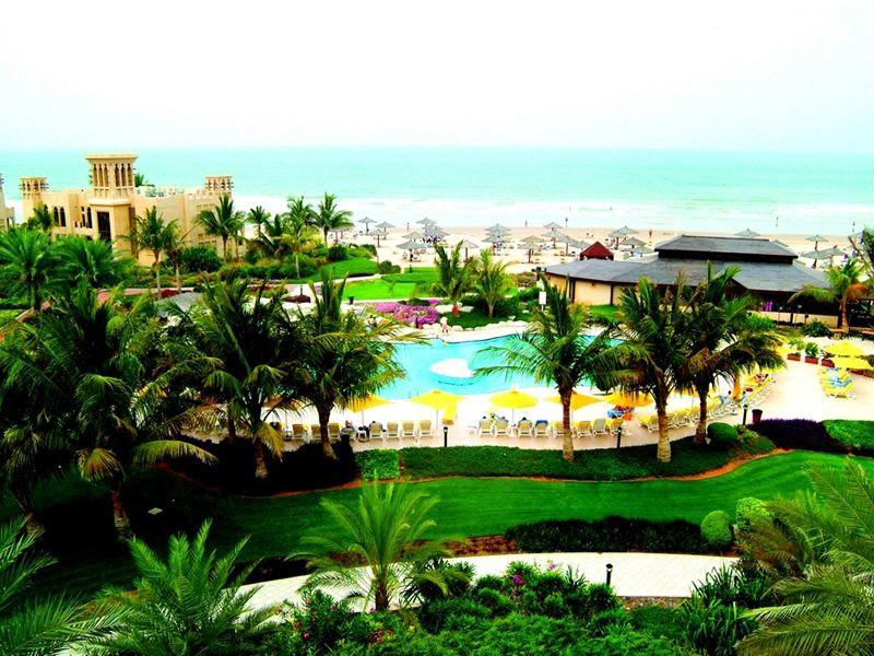 cazare la Hotel Al Hamra Village Golf & Beach Resort