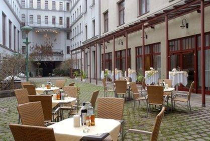 cazare la Austria Trend Hotel Favorita