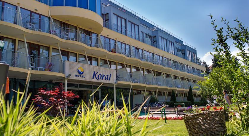cazare la Hotel Koral