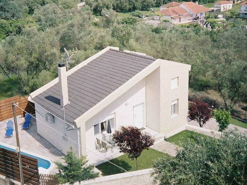 cazare la 2 Bedroom Villa  In Margariti  Re0586