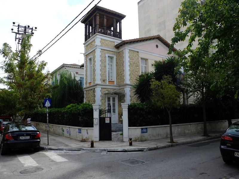 cazare la 4 Bedroom Villa  In Piraeus  Re0993