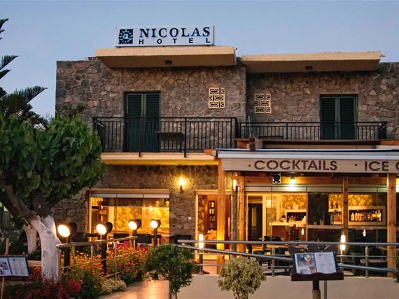 cazare la Nicolas Hotel