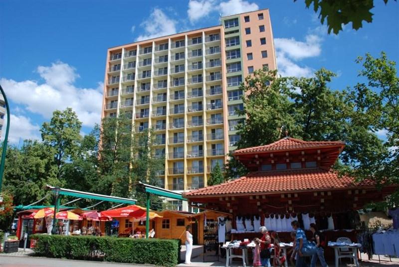 cazare la Gyogy- Es Wellness Hotel Baratsag