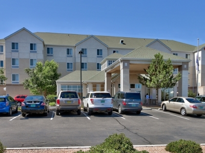 cazare la Hilton Garden Inn Abq Journal Center