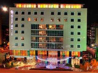 cazare la Hotel Ankatra