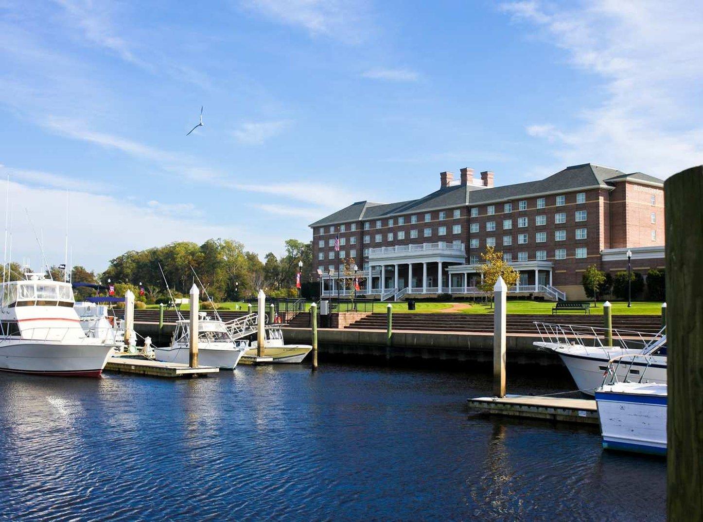 cazare la Hilton Garden Inn Suffolk Riverfront
