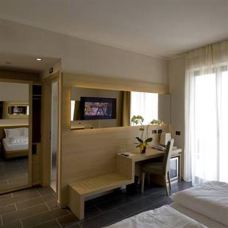 cazare la Hotel Villa Luisa