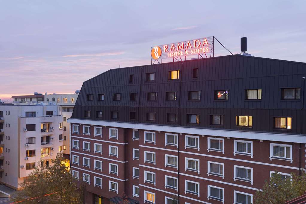 cazare la Ramada Hotel And Suites North