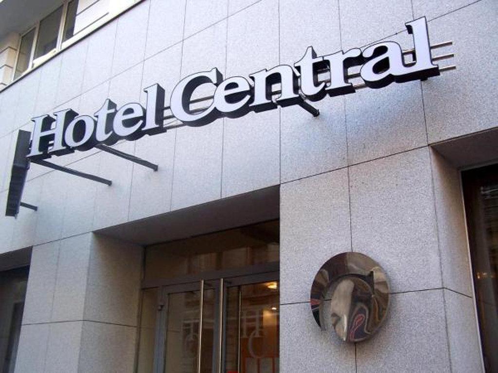 cazare la Central Hotel By Zeus Internat
