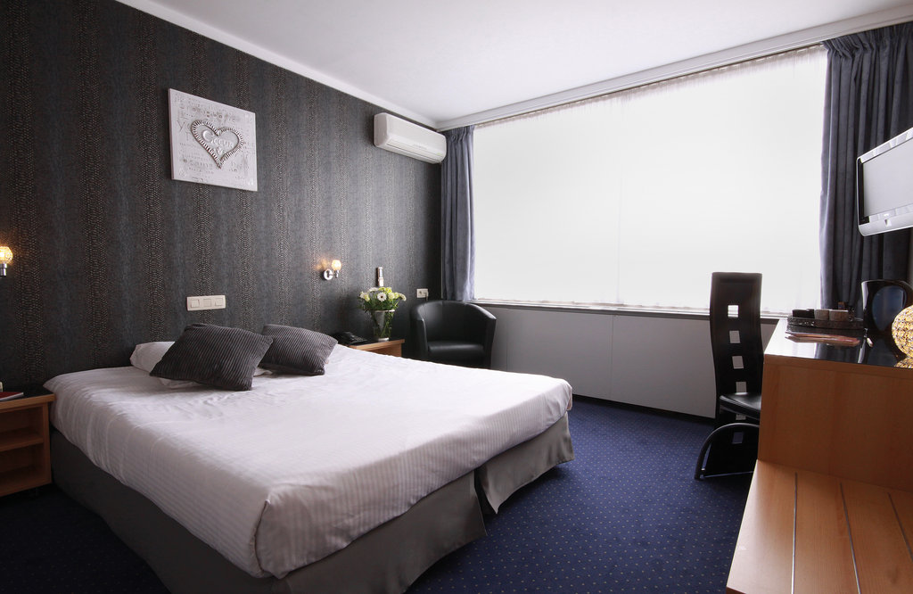 cazare la Leonardo Hotel Charleroi City Center