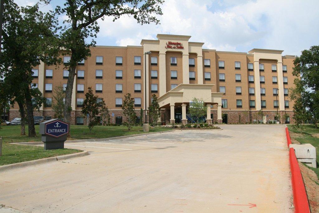 cazare la Hampton Inn - Suites Dallas-ar