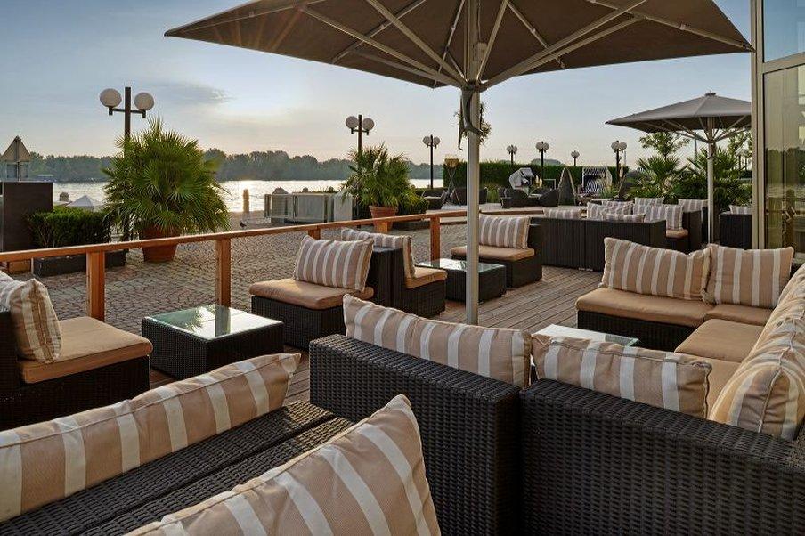 cazare la Hilton Vienna Danube Waterfront