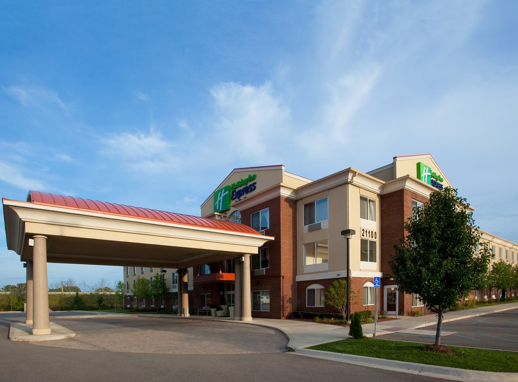 cazare la Holiday Inn Express & Suites D