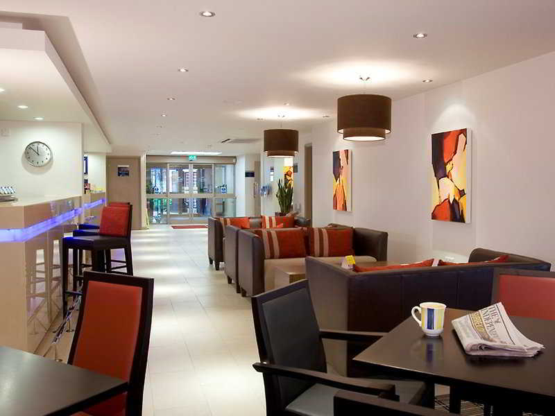 cazare la Holiday Inn Express Exeter