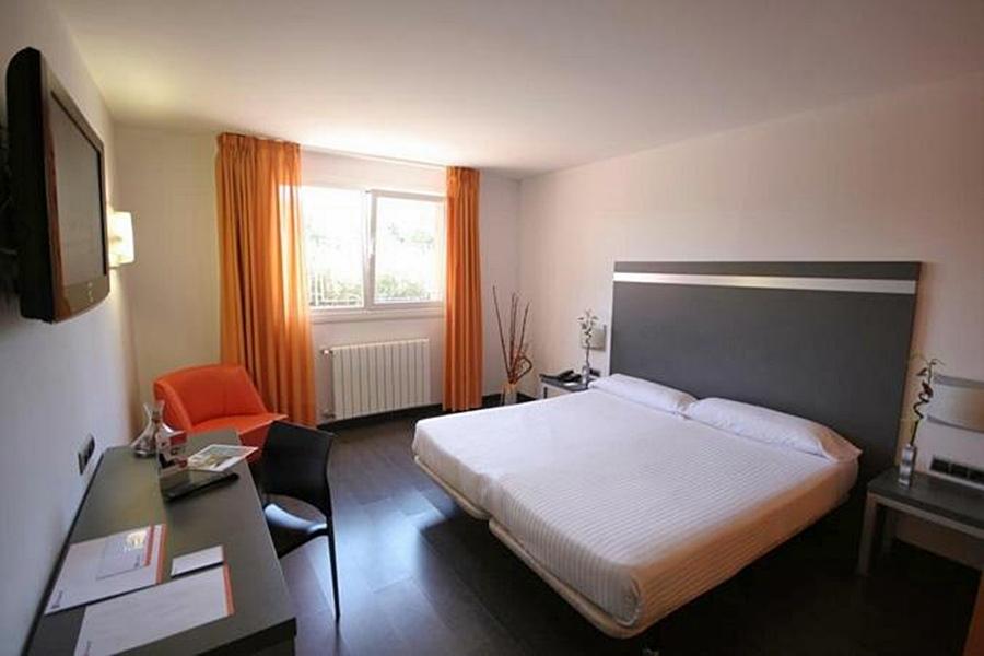 cazare la B&b Hotel Oviedo
