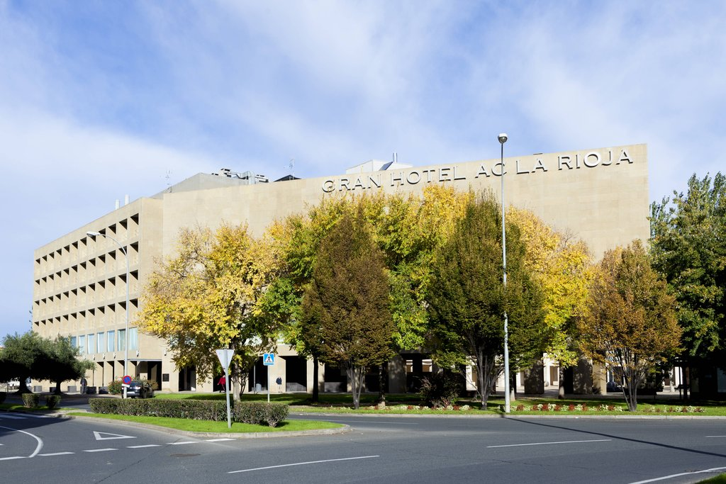 cazare la Ac Hotel La Rioja