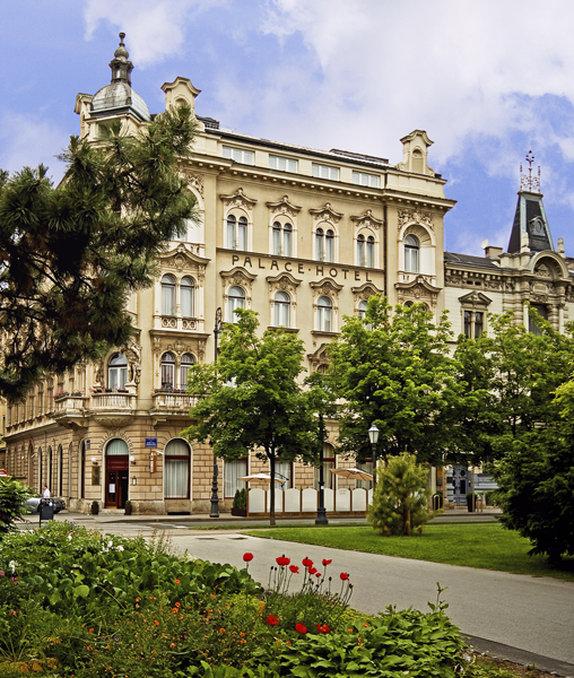 cazare la Palace Hotel
